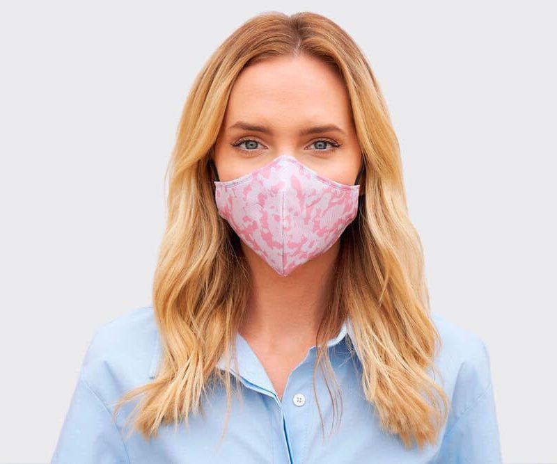 Mascarilla para mujer estampado camuflaje rosa
