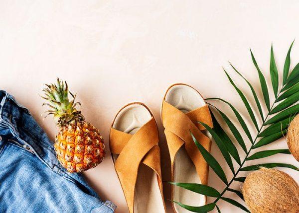 moda de las sandalias con calcetines